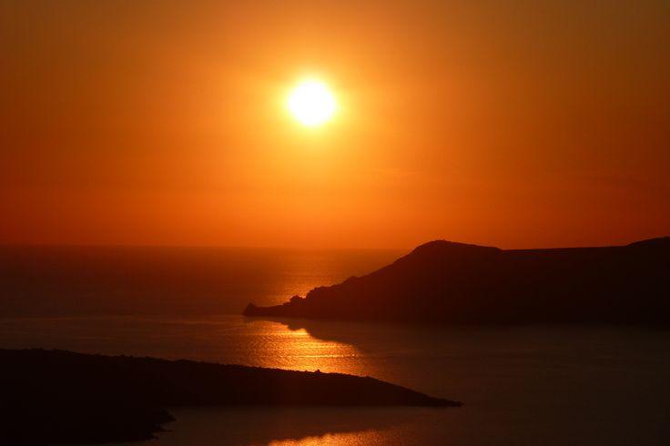 Romantic destination.... #Sunset #Santorini