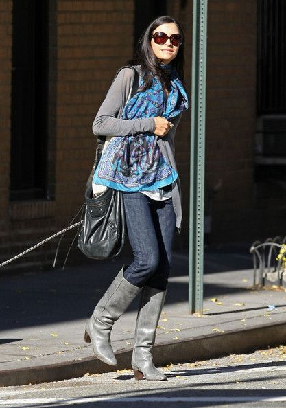 Famke Janssen Photo - Famke Janssen Walking Her Dog In New York