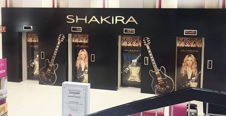 Como tem acontecido ao redor do globo, Shakira surpreendeu seus fãs mexicano com o super lançamento de sua nova fragrância, Rock By Shakira, que já é sucesso de vendas no Brasil. Confira abaixo, a galeria de fotos postada pela sua equipe de Shakira em sua página no Facebook, onde registraram esse mega lançamento. Para saber…