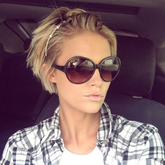 @krissafowles has gone shorter! Looks great!  #haircut #hairstyle #shorthairlove #shorthair #pixiecut