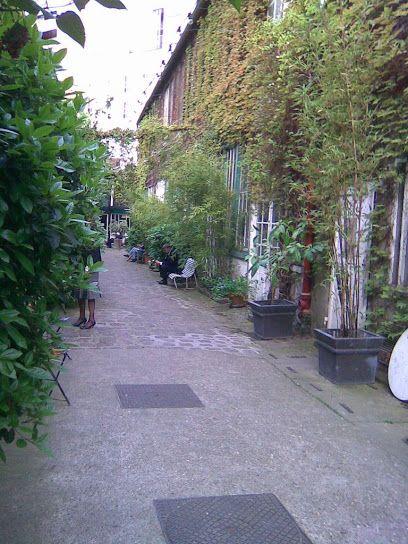 Chemin du Montparnasse 21, avenue du Maine Paris 75015. Ateliers d'artistes, Villa Vassilief et Espace Kracjberg