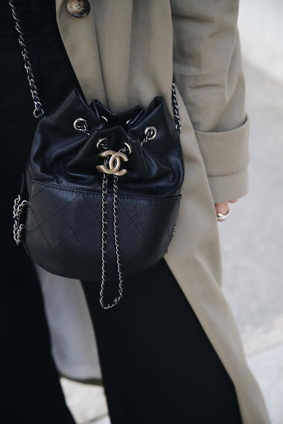 d523b2afb3 The Best Street Style Inspiration & More Details That Make the Difference  #Chanelhandbags