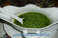 La salsa verde è ottima per accompagnare il lesso; superba nella lingua di vitello lessata, buona anche con le uova lesse o con il pesce bollito.