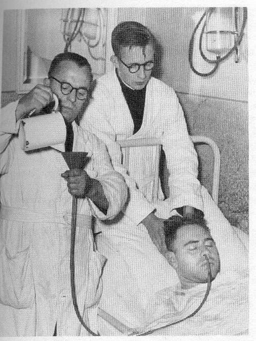 Tratamiento contra la esquizofrenia mediante insulina (1940)