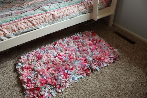 Rag Rug From Scrap Fabrics :: Hometalk