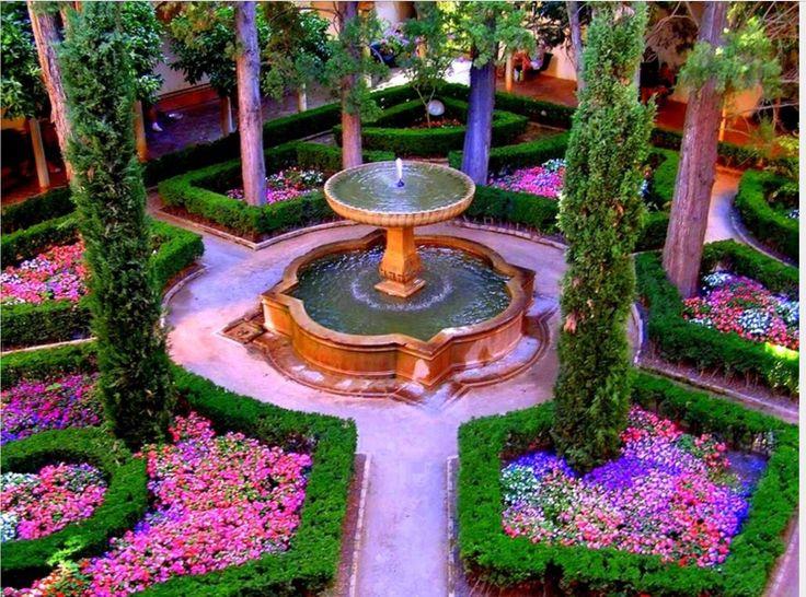 Los jardines en espa a ten an muchas flores con muchas for Casas con jardin