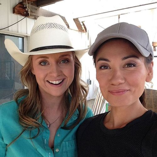 Oh hey I'm on Heartland tonight!! Got to relive my childhood passion riding horses! Got to work with this gal who is the real deal! Ms. amber Marshall knows everything about animals. Photo by: Vanessa Matsui