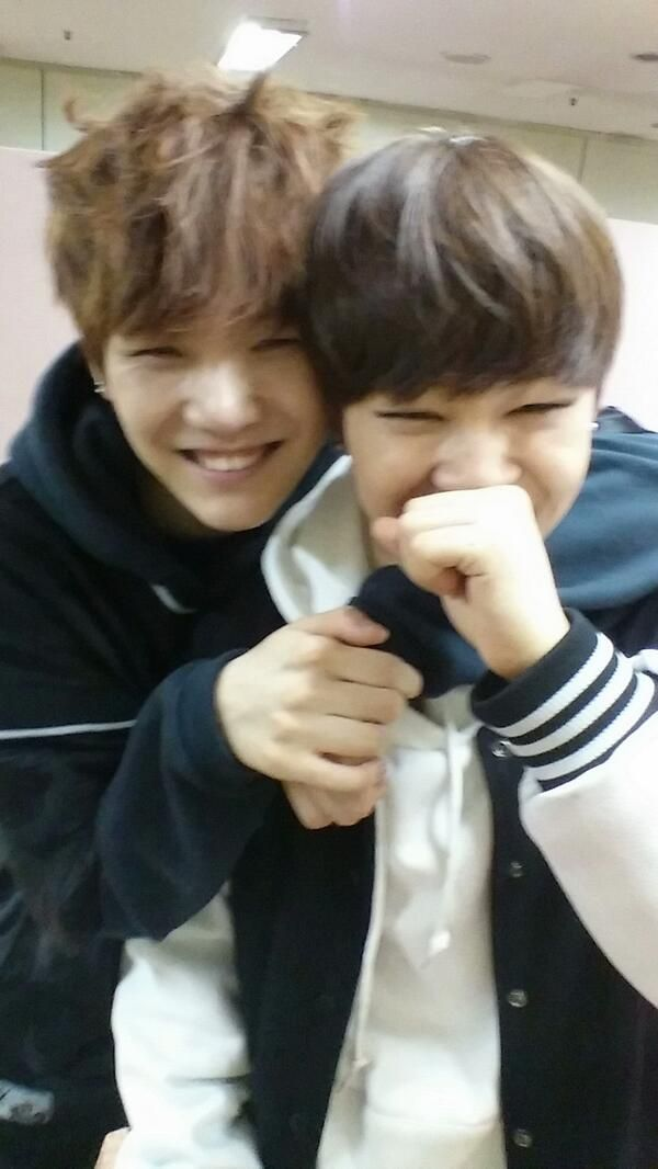 suga's twitter update telling jimin happy birthday #지민생일ㅊㅋ That Yoonmin feels~ My 2 top biases.