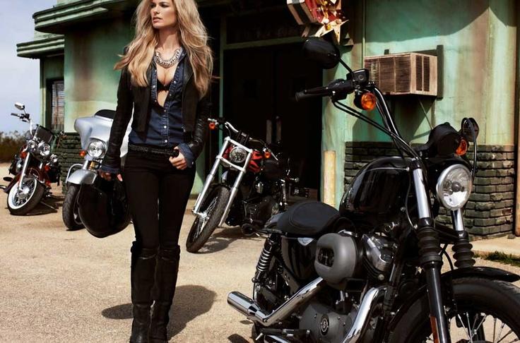 redhead-biker-chickstures