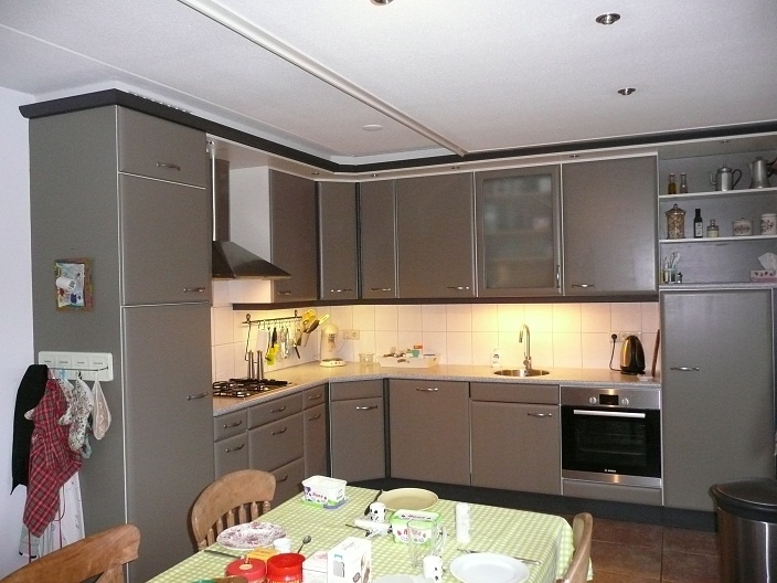 French Linen. Keuken ALTIJD afwerken met Lacquer van Annie Sloan.