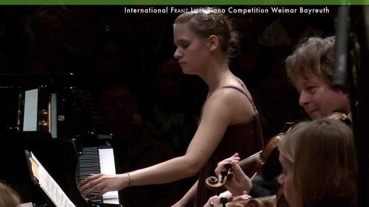 Marina Yakhlakova plays Piano Concerto No.1 by Franz Liszt - Piano Compe...