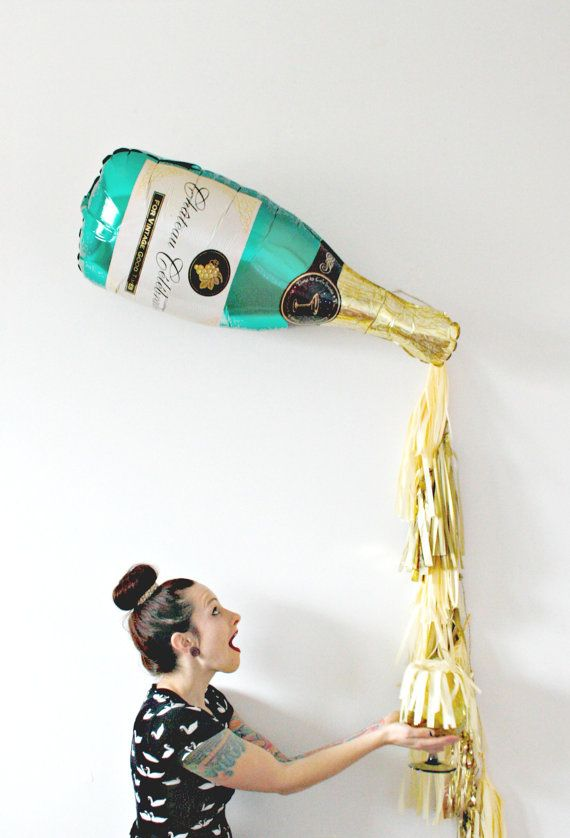 New Years Eve New Years Eve Decor, Photo Booth Prop, fond or et Champagne, bouteille de Champagne Tassel ballon, Pop trinquent Fizz