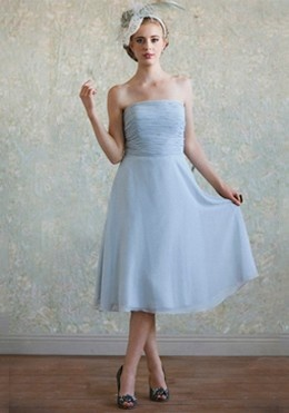 calla lily powder blue dress, love the hat with this one :)\