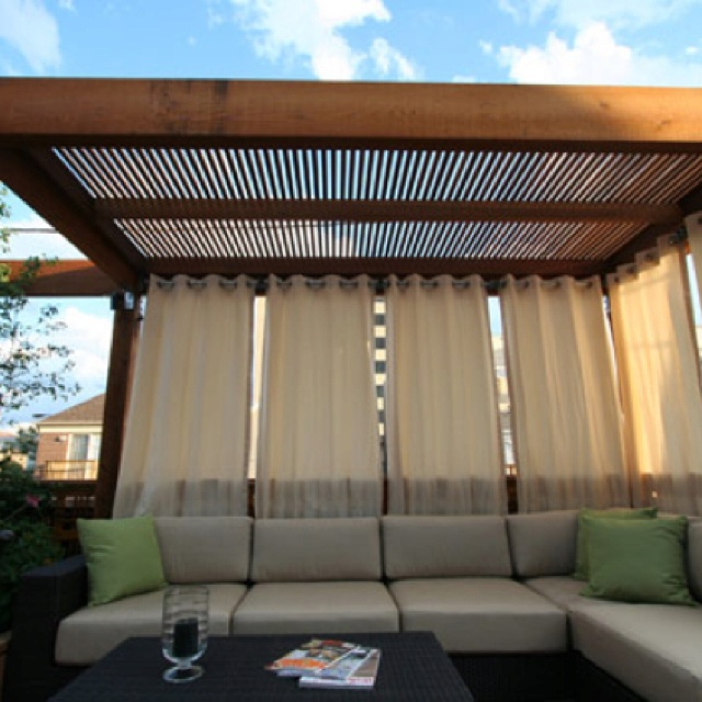 Outdoor daybed. DIY with pallets??? Under pergola.