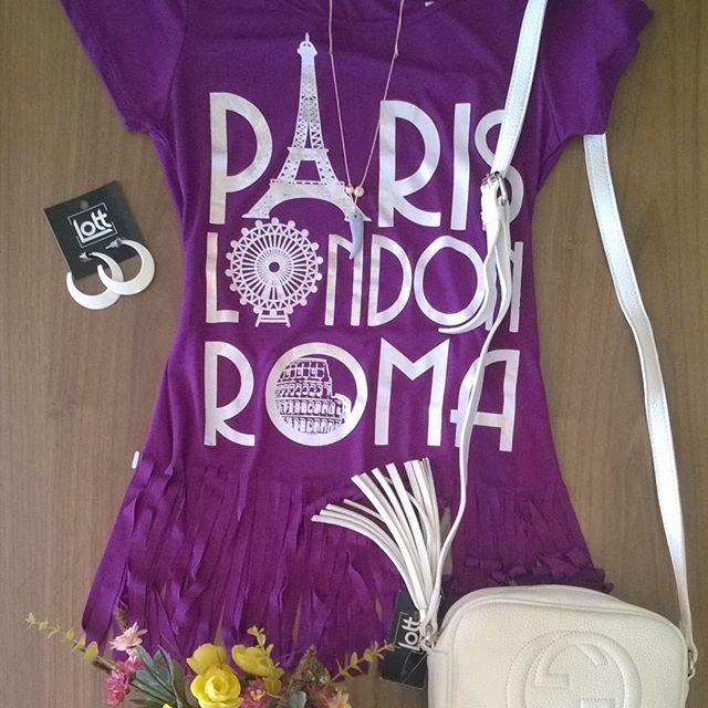 Gente, ficou super bafônico esse look! O roxo por ser uma cor muito forte vai muito bem com cores neutras, como o branco. Faça isso que é sucesso   Snap  LOJASLOTT Disponível na loja física ou pelo whatsaap (18) 99610-3513. Acesse nosso site www.lottstore.com.br  #tshirt #bolsa #brinco #modafeminina #acessorios #acessories #bag #bolsa #fashion #moda #iloveit #inspired #look #inspired #lottstore
