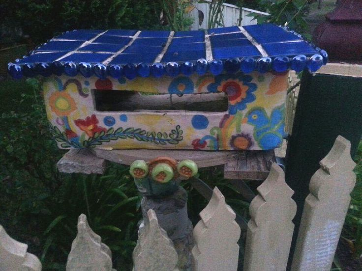 Here is a lovely slab pot letter box that didnt make it to the book  cos I only just found it. isnt it lovely?