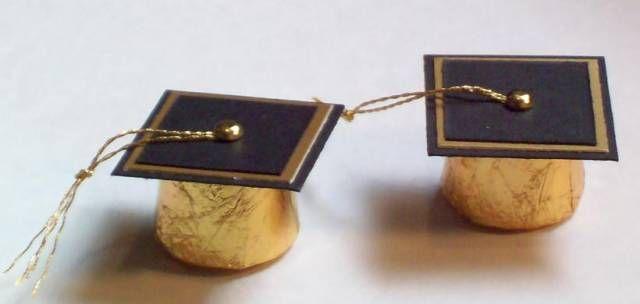 Rolo chocolate caramel graduation caps - so cute! Mezuniyet parti detaylari/kepli rulolar