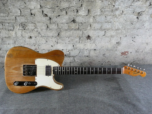 fender telecaster 1966. Getting closer to the right age.