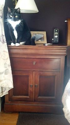 how to get louis phillipe bedroom furniture drawer handels