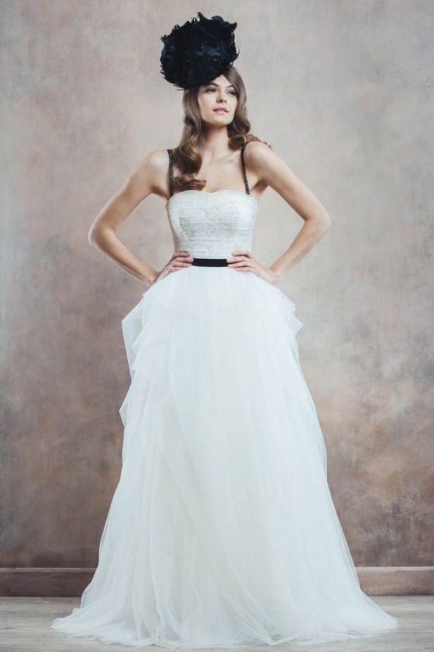 Well Dressed: Poetica by Divine Atelier