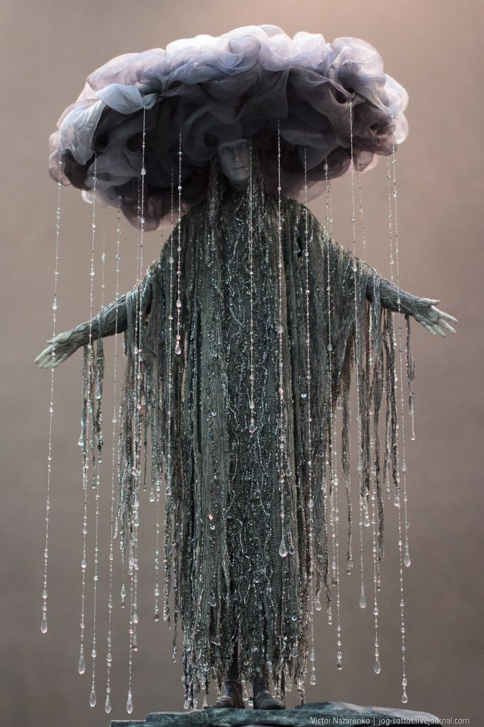 Rain cloud costume. epic.<-----People are thinking this is a costume; but it's actually an exquisite doll made by Alexandra Koukinova.