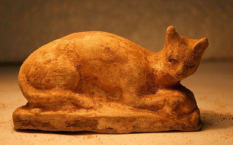 Un gato que representa a Bastet hallado en Alejandría.   Efe