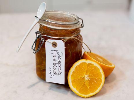 Orangeriets marmelad på aprikoser och citrusfrukt