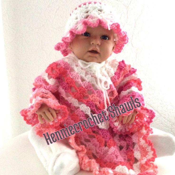 Een persoonlijke favoriet uit mijn Etsy shop https://www.etsy.com/nl/listing/567010241/baby-poncho-gehaakt-met-mutsje-beanie