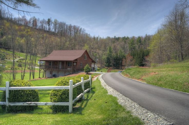 Best 25 cabins in boone nc ideas on pinterest cabin for Cabin rentals near blowing rock nc