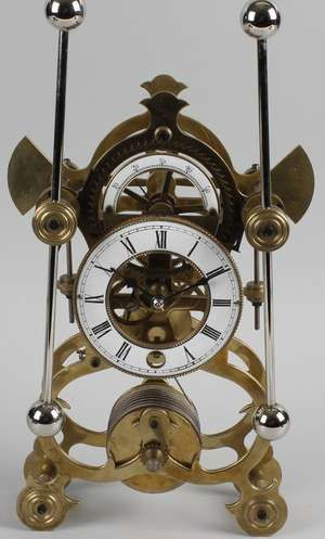 LOT:720 | A fine quality Sinclair Harding replica Harrison skeleton clock