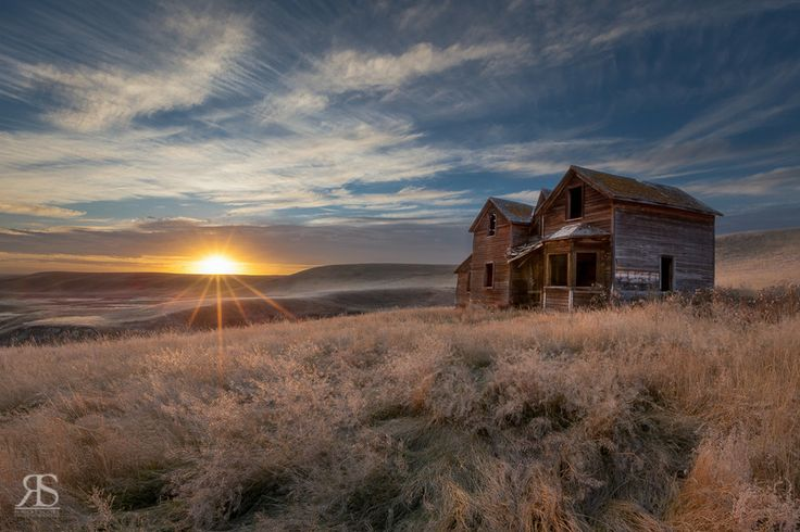 The Laing House by Robert Scott on 500px