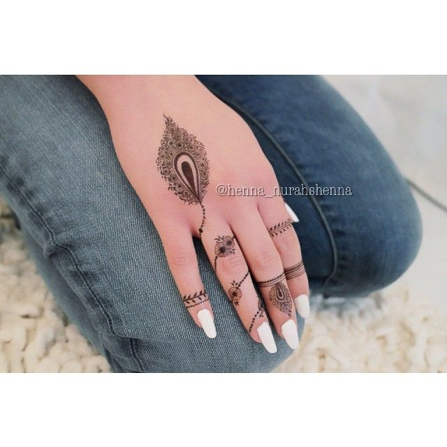 Modern fingertips henna ... henna_nurahshenna's photo on Instagram