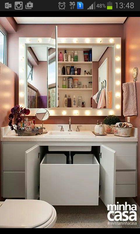 Ocultar cesto de roupas sujas e  produtos de higiene no banheiro. idéia super criativa
