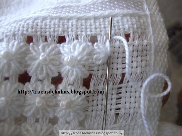 Line switches: FACE TOWEL AND TOILET WITH OPEN HEM, RIDDLE ... WITH FOOTSTEPS ༺✿ƬⱤღ https://www.pinterest.com/teretegui/✿༻