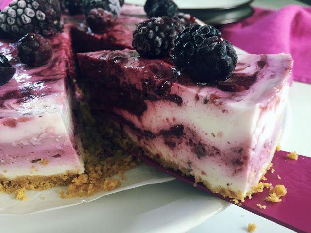 Nevař blbě: Nepečený cheesecake s ostružinami