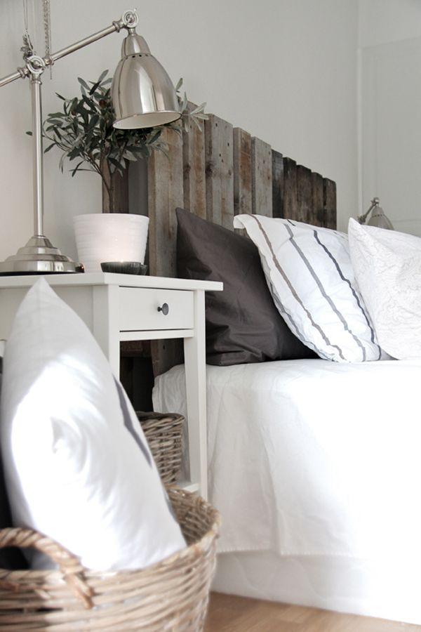 DIY Deko Ideen aus wiedergewonnenem Holz bett kopfteil nachttisch
