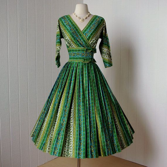 If this dress wasn't already sold, it would be on its way to my closet!