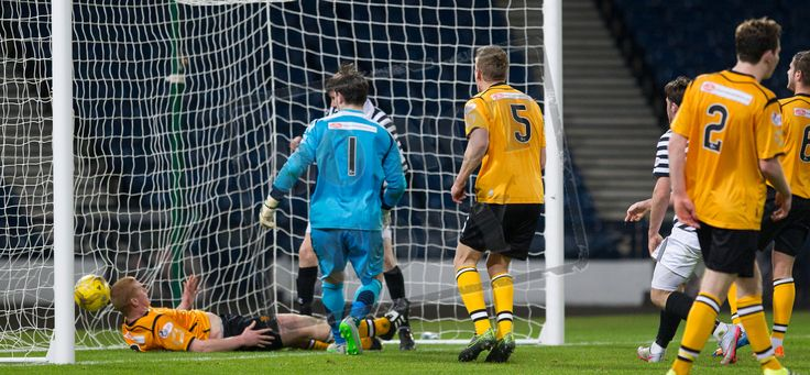 Queen's Park's John Carter scores during the SPFL League Two game between Queen's Park and Annan Athletic.