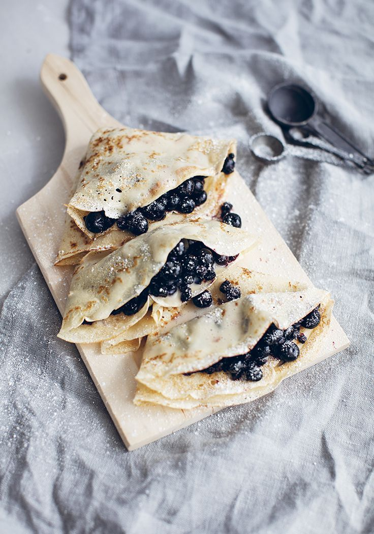Blueberry Crepes. #pancakes #healthyfood  #recipe |Pinterest: @lauranoet