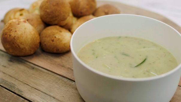 Eén - Dagelijkse kost - Courgettesoep met kaasbroodjes