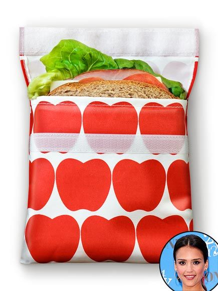 Jessica Alba uses Lunchskins reusable baggies to take her girls treats on the go.: Reusable Sandwiches Bags, Plastic Bags, Lunchskin Sandwiches, Reusable Sandwich Bags, Lunchskin Reusable, Paper Bags, Snacks Bags, Eco Friends, Lunches Boxes
