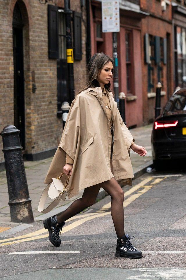 Cómo combinar medias negras: su manual de estilo en 2020, según el street  style en 2020 | Editoriales de moda, Estilo de moda casual, Estilos de  calle de otoño