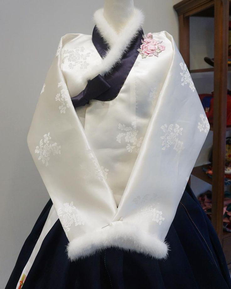 밍크 트리밍 #겨울한복 #한복 #맞춤한복#김복희 #바느질풍경 #sewinglandscape #dress #clothes