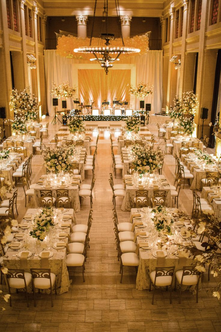 A Glamorous New Year's Eve Wedding Complete with ...