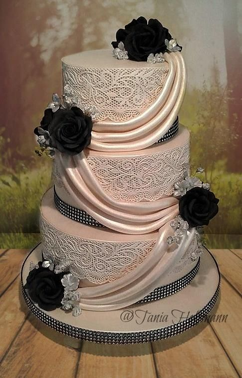 lace n roses by Grans Cakes - http://cakesdecor.com/cakes/278599-lace-n-roses