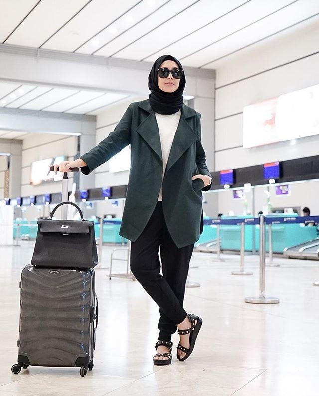 Ikut2an posting foto di bandara, pura2nya mau liburan gituuu *padahal di rumah nonton drama korea