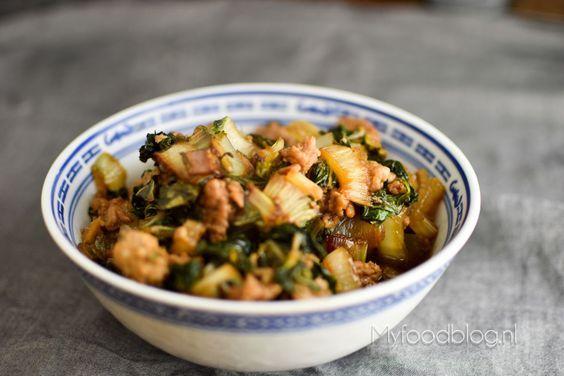 Lekker Chinees koken? Op zoek naar een recept met paksoi? Probeer deze makkelijke en lekkere Chinese kip en paksoi roerbak!