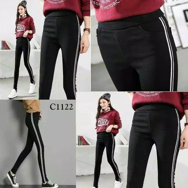 Grosirpakaianwanita Di Instagram Legging Import List Fit L Bahan Softjeans Sangat Strecth Tersedia 3 Warna Hitam L Model Pakaian Pakaian Wanita Kaos Wanita