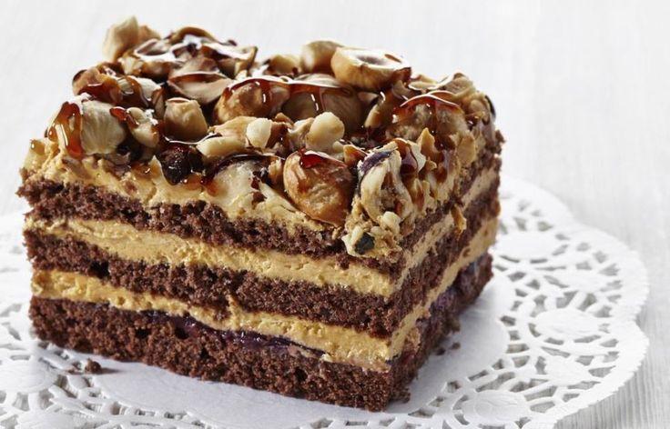 Vegán csokoládétorta házi mogyoróvajjal