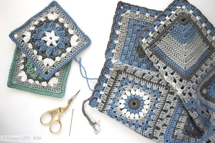 Crochet meets Patchwork blanket | Anemone Square by Eline Alcocer